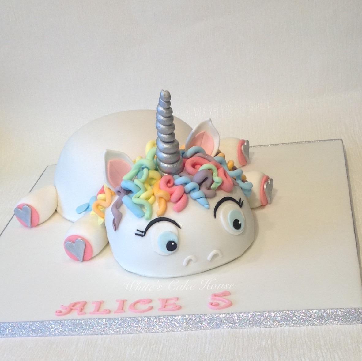 Girls Pretty Birthday Cake Unicorn