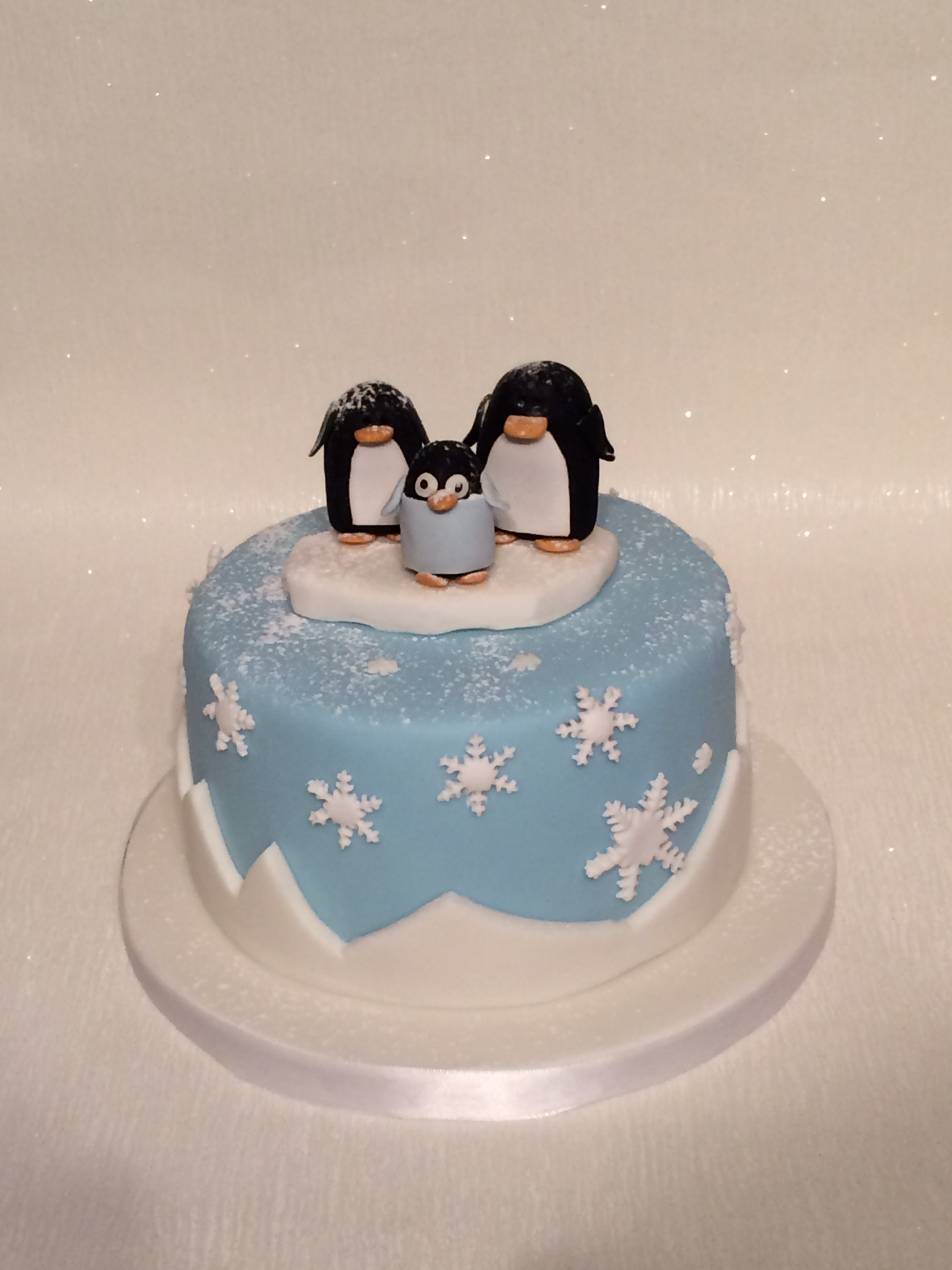 Christmas Cake Decorations Penguins : Other white s cake house